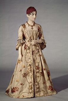Dress of Elizabeth Monroe, Courtesy of National Museum of American History, neg. no. 72-2405.