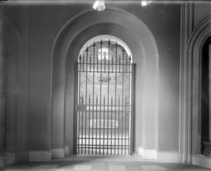 James Smithson Crypt in the north tower of the Smithsonian Institution Building before it was renovated in 1974. Smithsonian Institution Archives, Record Unit 95, Box 21, Folder 8. Neg. No. MAH-16958.