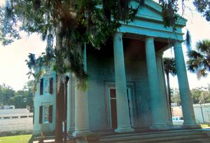 Old Beaufort College, home of the Beaufort Library in 1861. Photo by Malcolm Goodridge, 2013.