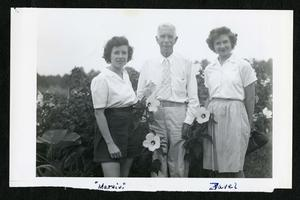 Charles G. Abbot with Margie and Zavelle, c. 1942, black-and-white photo, SIA, Accession 12-174.