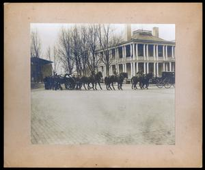 Military cortege accompanies James Smithson's remains from the Washington Navy Yard to the Smithsonian, on January 23, 1904. Smithsonian Institution Archives, Record Unit 95, Box 60, Folder 4; Neg. No. SIA2012-7657.