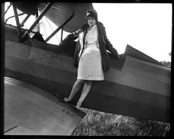 Elizabeth Skadden, an 18-year-old with big dreams, wanted to be a famous endurance flyer in October 1929. Image digitized from glass plate negative. Courtesy of The State Journal-Register.