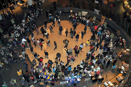 Teachers at Smithsonian Teachers' Night 2011, Courtesy of Smithsonian Education.