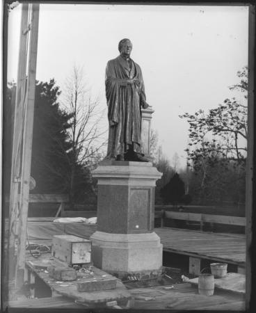 Installation of the Joseph Henry Statue