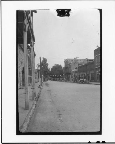 Tennessee v. John T. Scopes Trial: Main Street, Dayton, Tennessee, 1925.