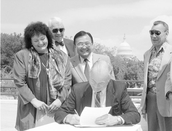 Secretary Robert McCormick Adams signs Memorandum of Understanding with Museum of American Indian (MAI), Heye Foundation. Smithsonian Institution Archives, Accession 98-015, Box 2, Folder September 1994 and Accession 92-076, Box 28.
