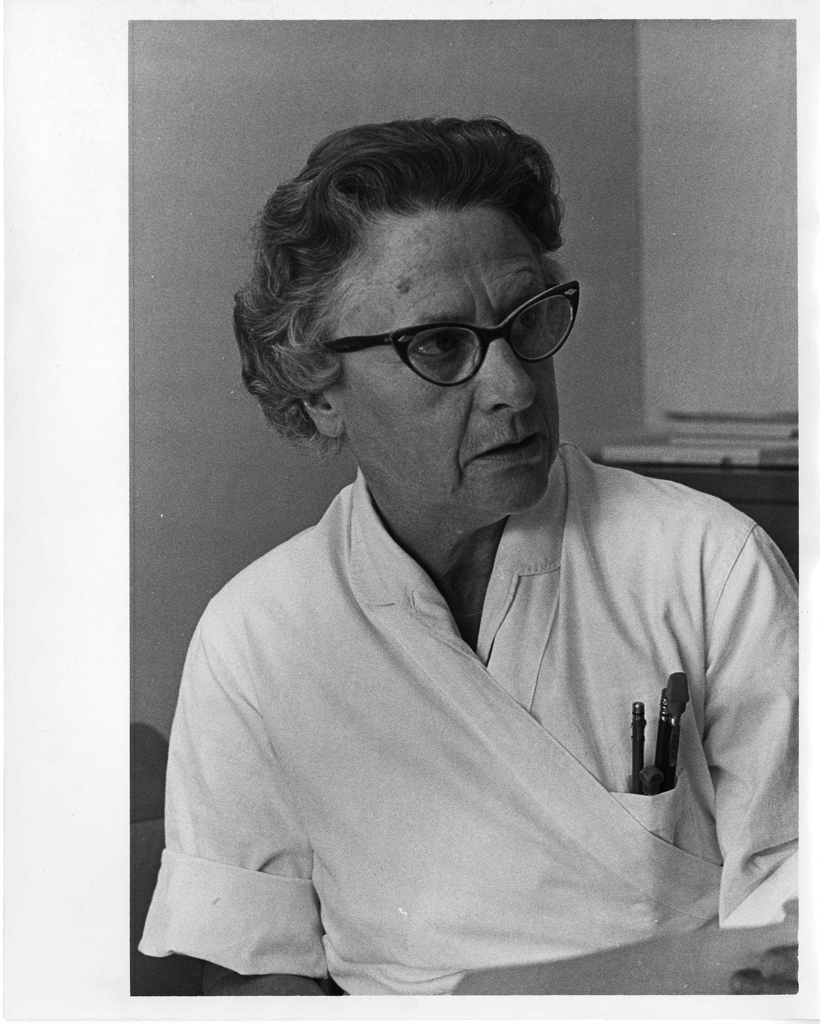 Black and white portrait of Geneticist Katherine Pattee Hummel.