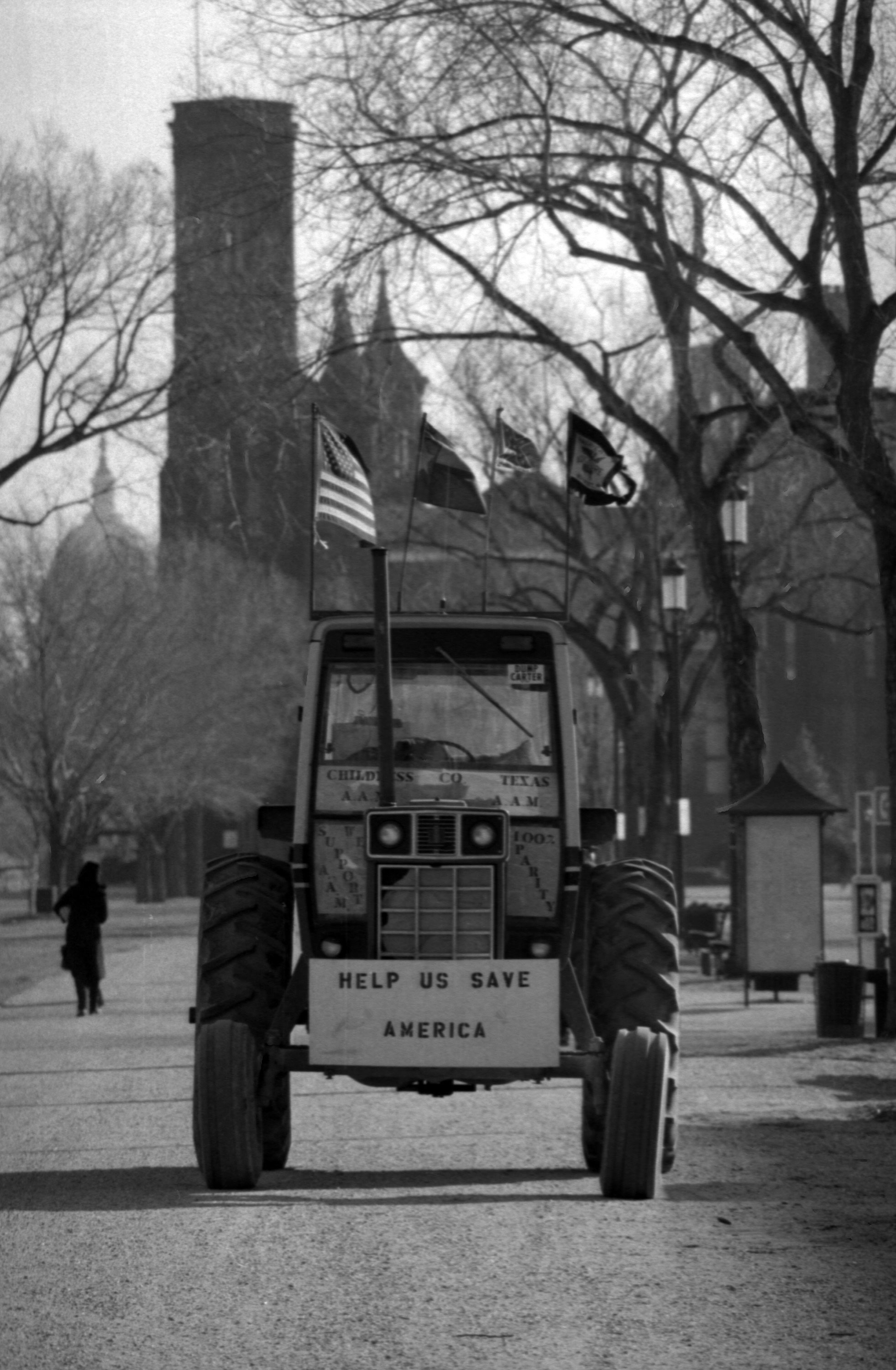 """American Agriculture Movement """"Tractorcade"""" on National Mall"""