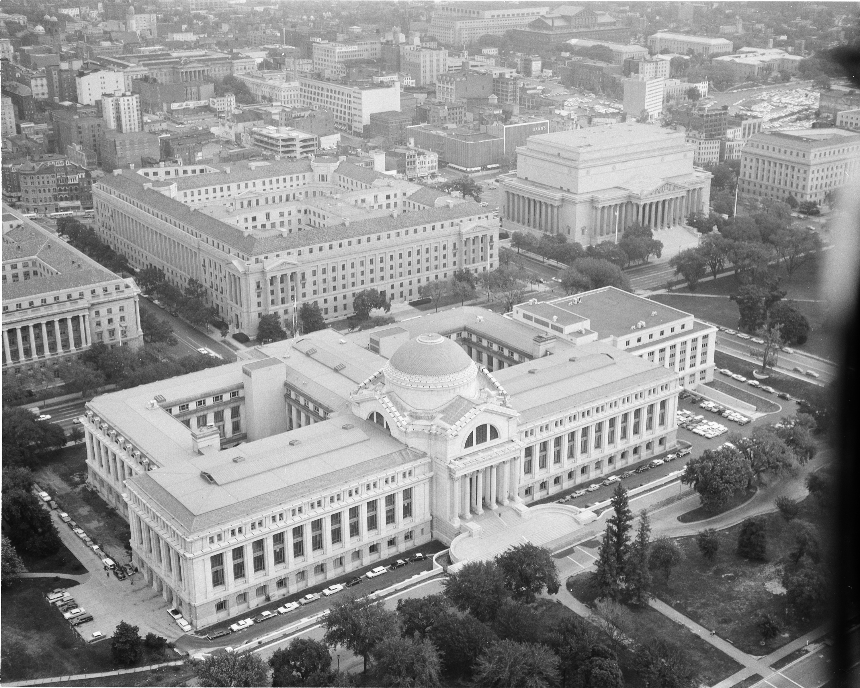 Aerial view of the National Museum of Natural History