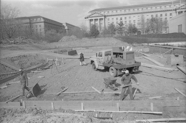 """Foundation Excavation for Alexander Calder Sculpture """"Gwenfritz"""""""