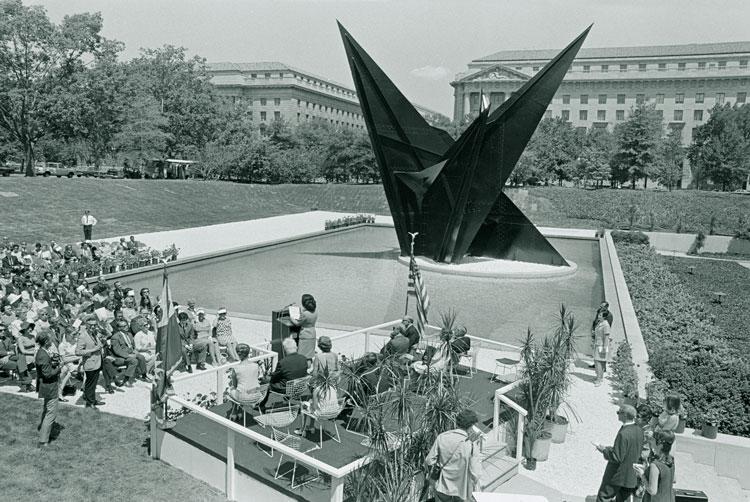 "Dedication Ceremony for Alexander Calder sculpture ""Gwenfritz"""