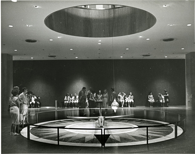 Pendulum Hall in National Museum of History & Technology, c. 1970, SIA2010-2908.