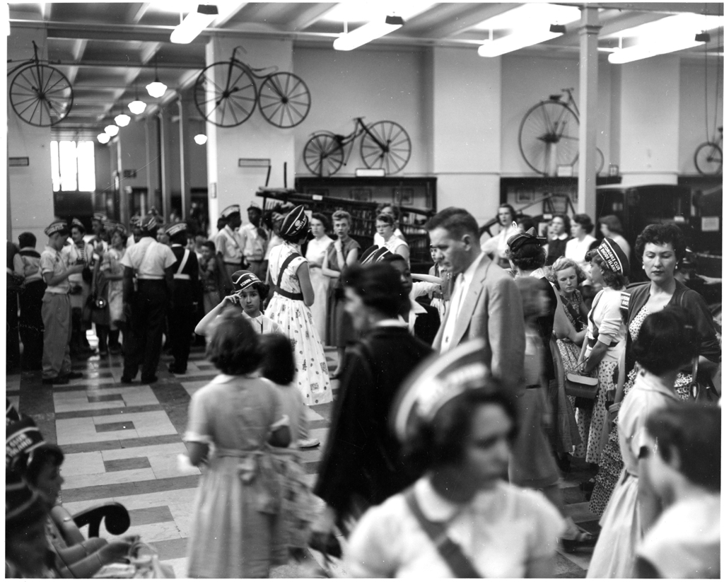 Visitors to the Transportation Hall, Arts & Industries Building, 1955, SIA2010-3260.