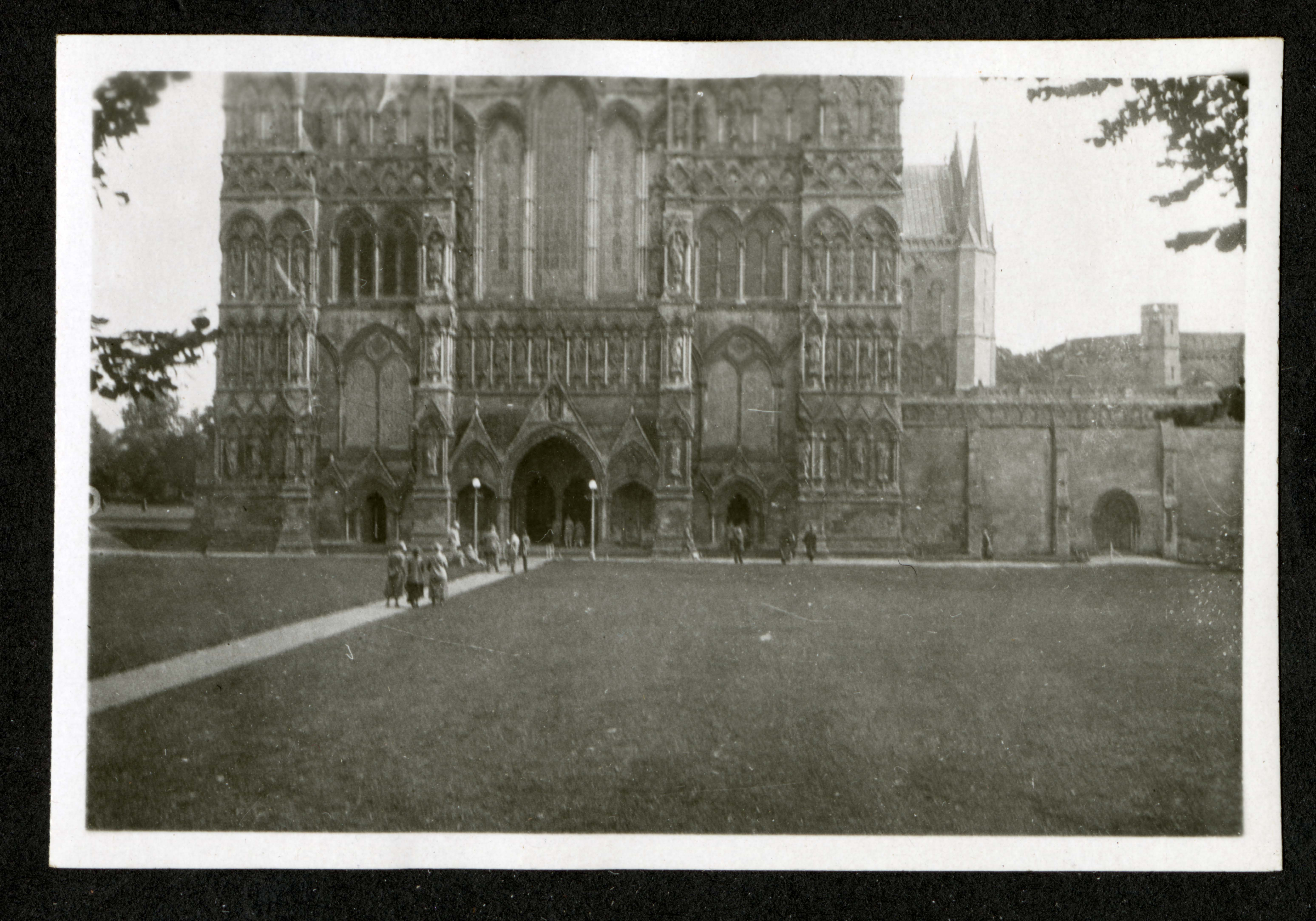 Westminster Abbey?, Record Unit 7091: Science Service, Records, circa 1910-1963, Smithsonian Institution Archives, image no. SIA2015-003204.