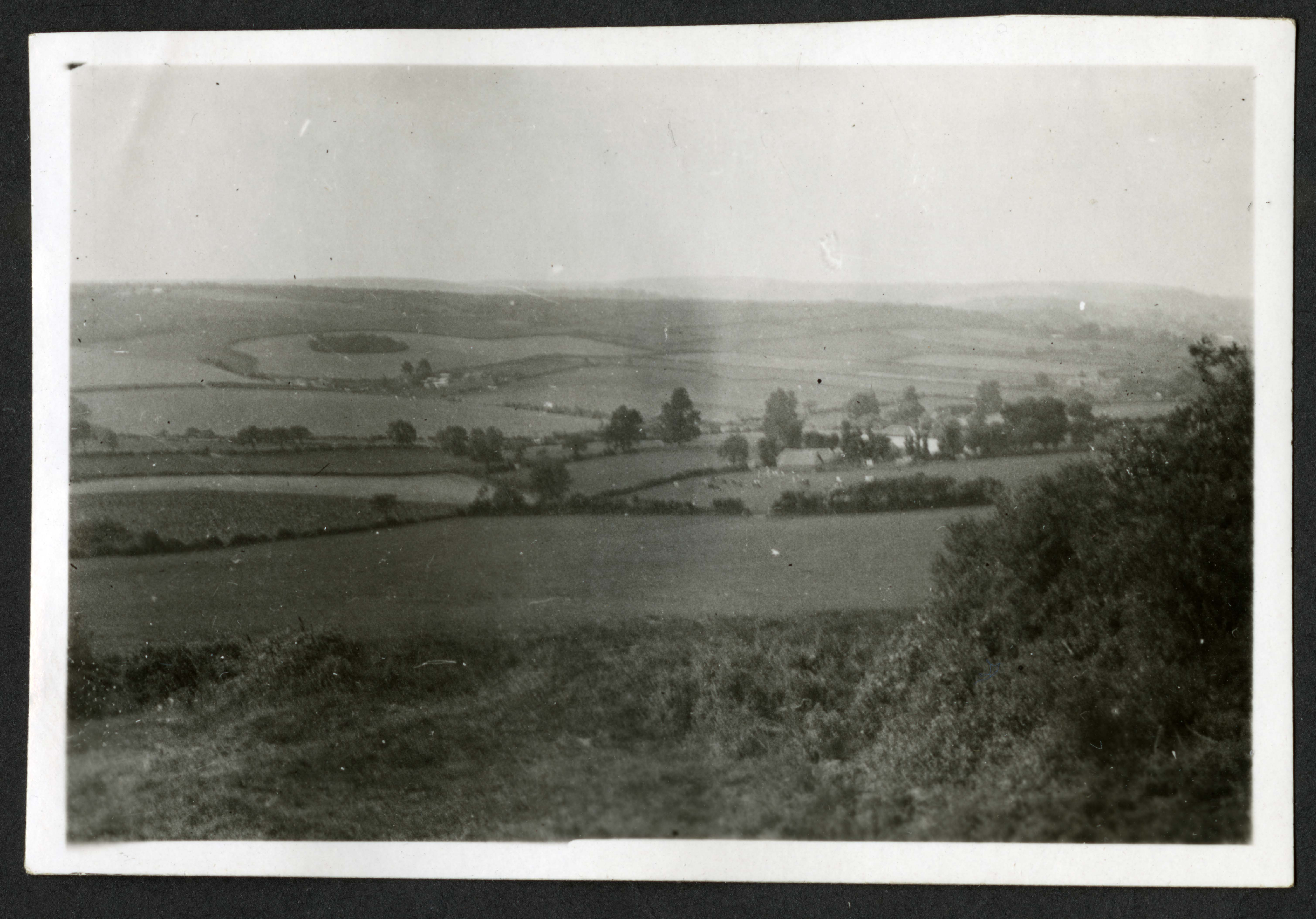 English countryside, Record Unit 7091: Science Service, Records, circa 1910-1963, Smithsonian Institution Archives, image no. SIA2015-003205.