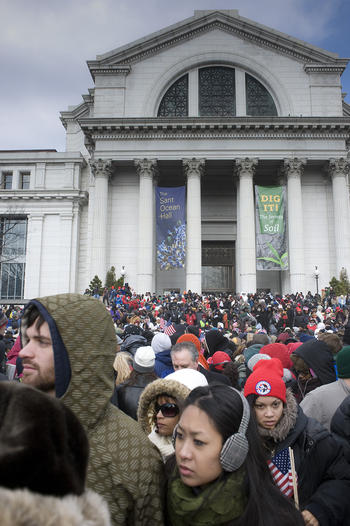 Inauguration visitors in front of the National Museum of Natural History, January 20, 2009, by Micha