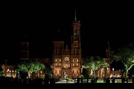 """Nighttime filming of """"Night at the Museum:  Battle of the Smithsonian"""", by James DiLoreto, 2008, pho"""