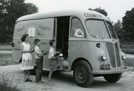 Children by the Prince George's County Memorial Library bookmobile.