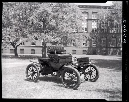 1903 Oldsmobile gasoline automobile in front of the Army Medical Museum and Library at Independence
