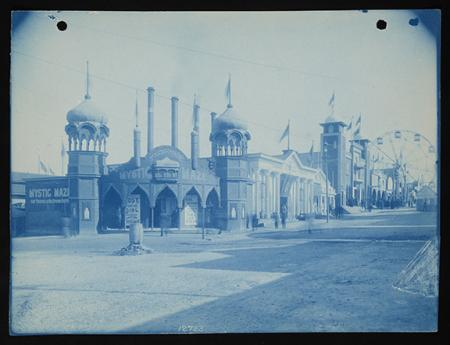 "Buildings and grounds at Cotton States Exposition, Atlanta, Georgia, featuring ""Mystic Maze"" and fer"