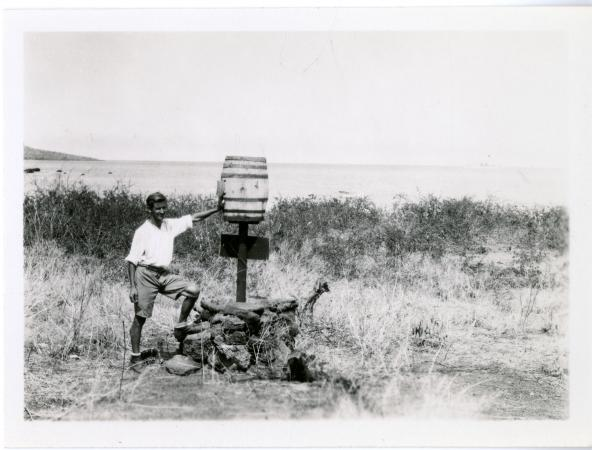 Rudolph Lorenz at Post Office Bay, prior to the Baroness' disappearance, Smit