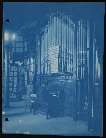 Organ built by John Brown Organ Co. on exhibit at Cotton States Exposition, Atlanta, 1895.