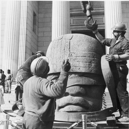 Unloading Olmec Head at Entrance of National Museum of Natural History